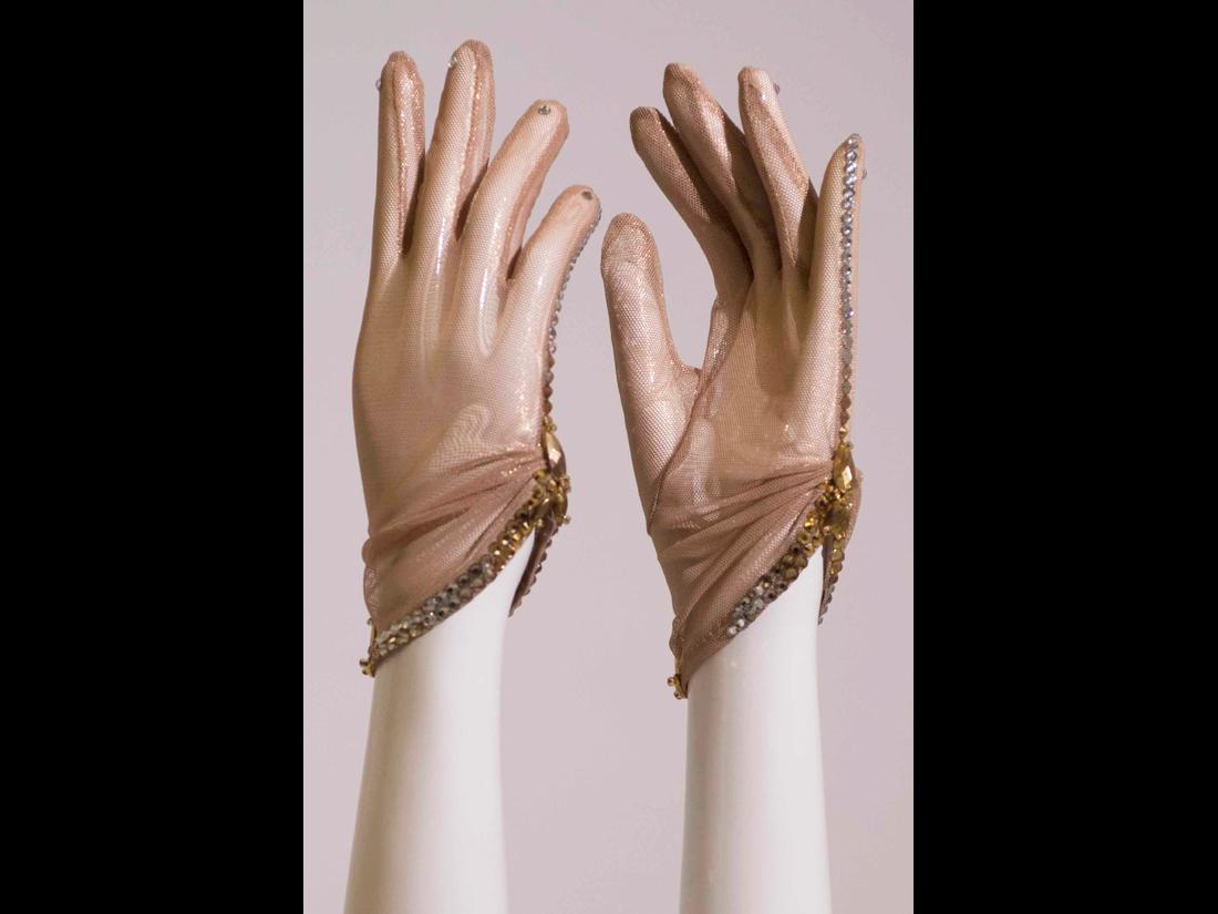 gloves104
