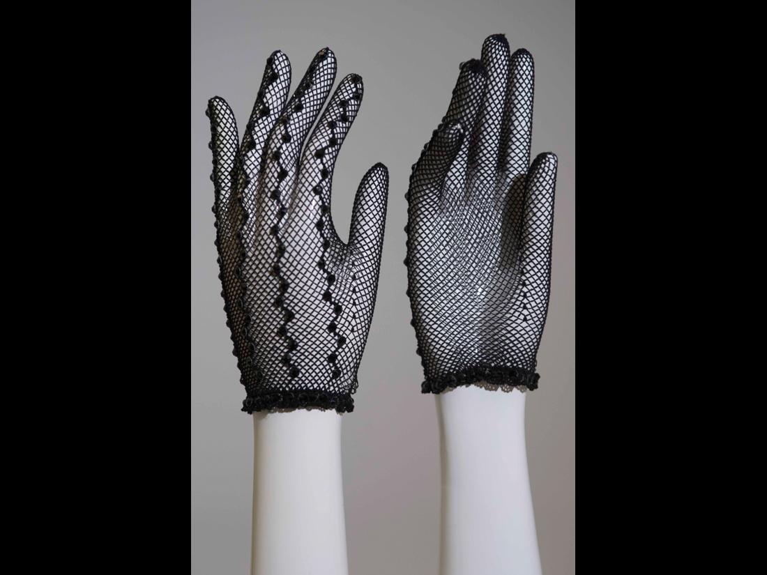 gloves105