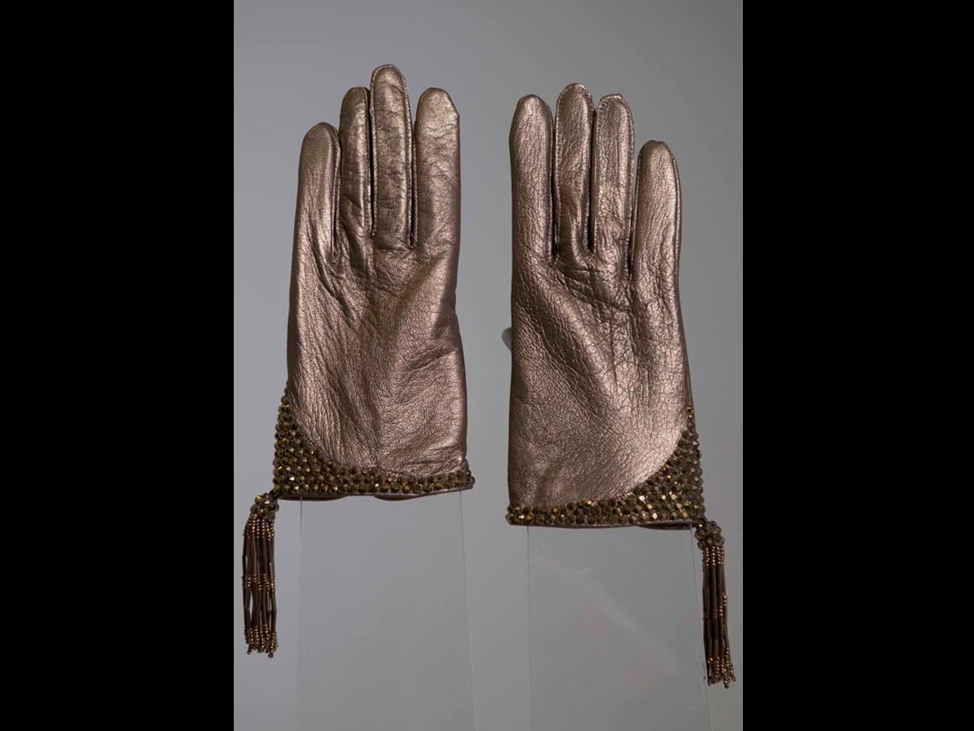 gloves108