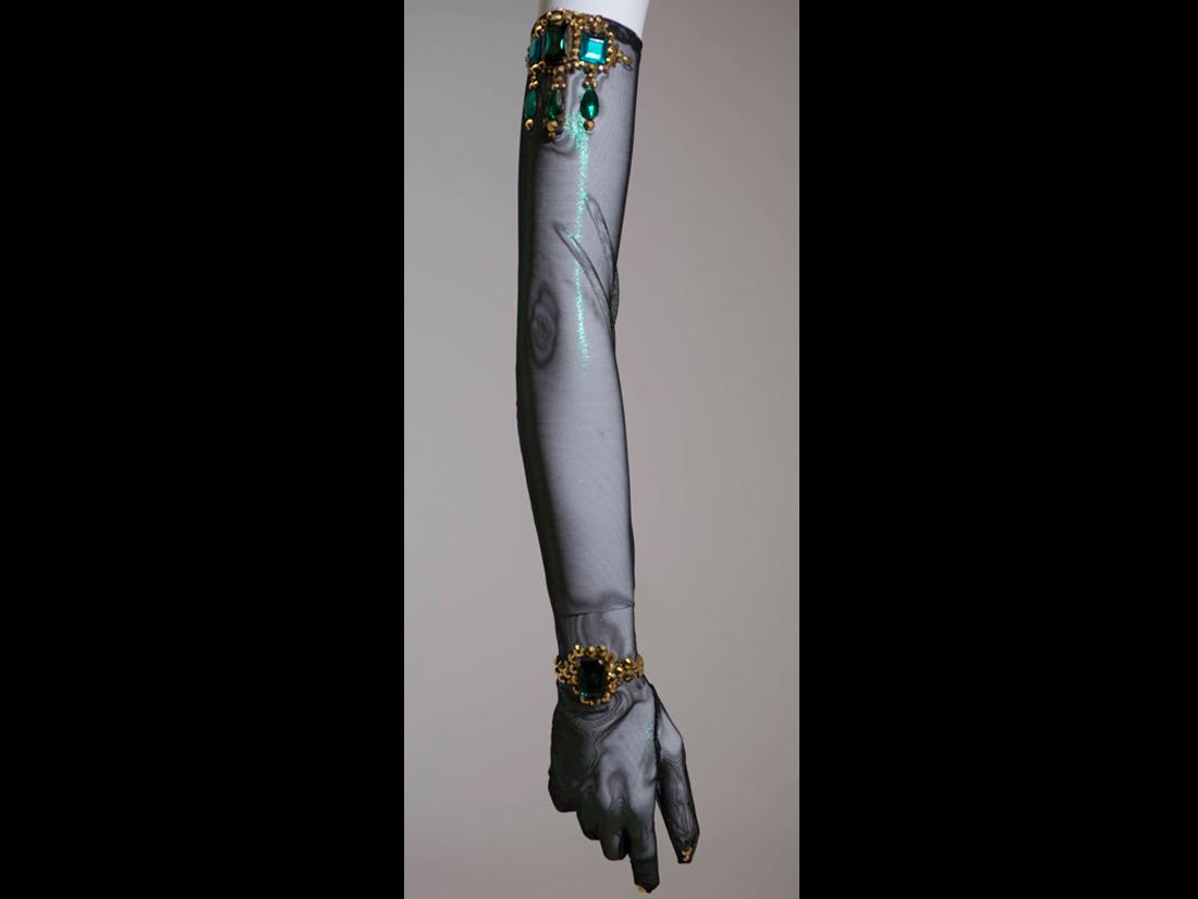gloves112